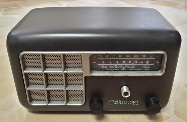 ampi Convirtiendo una radio antigua en un amplificador de guitarra a válvulas (tubos de vacío) Convirtiendo una radio antigua en un amplificador de guitarra a válvulas (tubos de vacío) ampi